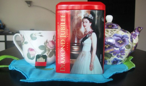tea-caddy Diamond Jubilee Limited Edition Ahmad Tea