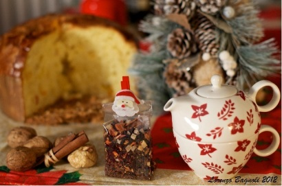 Still Life with Christmas Tea. Photo by Lorenzo Bagnoli