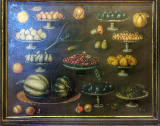 Alzatine con frutta varia: Museo della Natura Morta