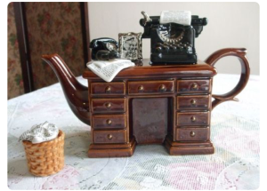 La scrivania del perfetto scrittore :-)