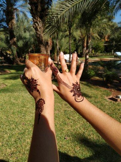 thé à la menthe et henné